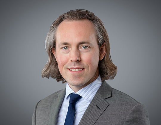 Andrew MacDonald, Lawyers, Defamation and Aviation Law, WeirFoulds LLP