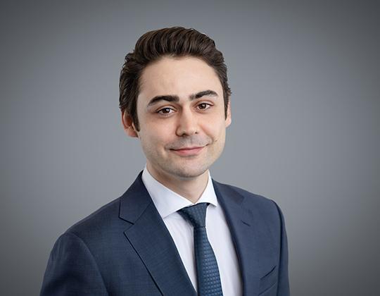 Dara Azari, Associate in WeirFoulds' Securities Practice Group