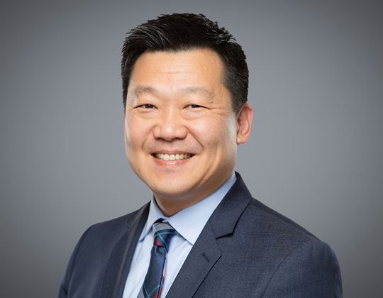 Philip Cho, WeirFoulds, Lawyer, Insolvency Restructuring Practice